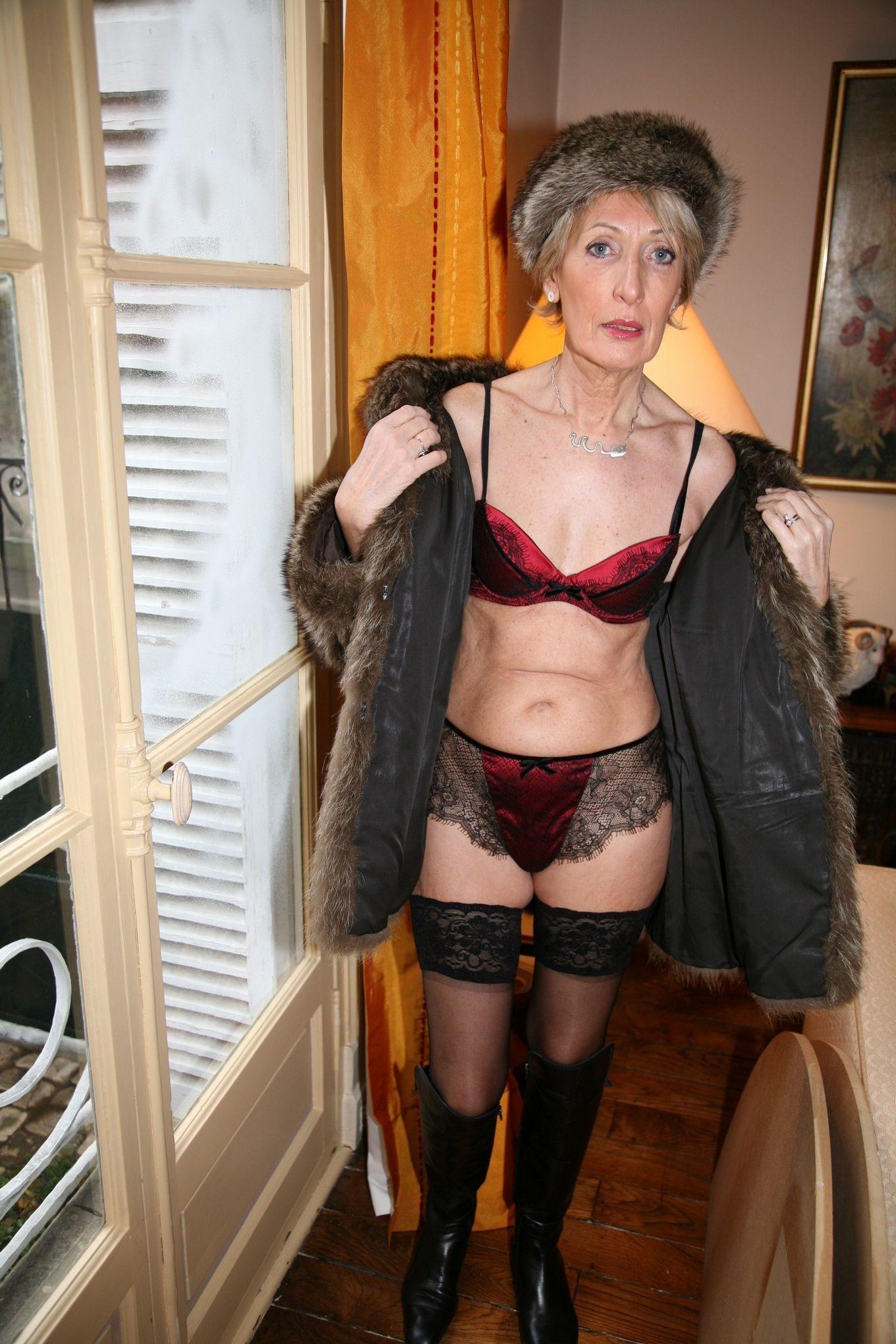 Элегантная зрелая француженка