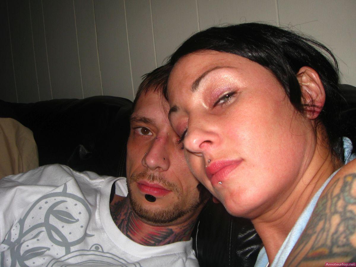 Секс и онанизм татуированной шлюшки