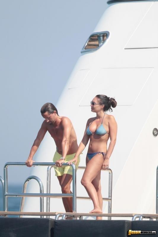 Милашка Tamara Ecclestone забавляется на курорте